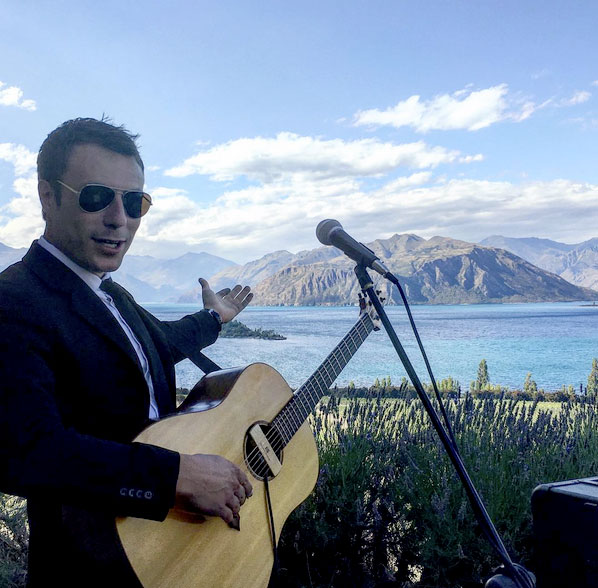 Acoustic soloist performing at a Wanaka Wedding